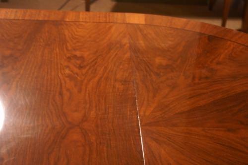 Beautiful Walnut Round/Oval 1 Leaf Dining Table