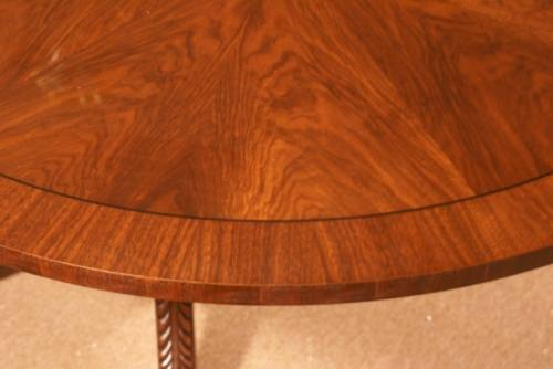 Beautiful Walnut Round/Oval 1 Leaf Dining Table