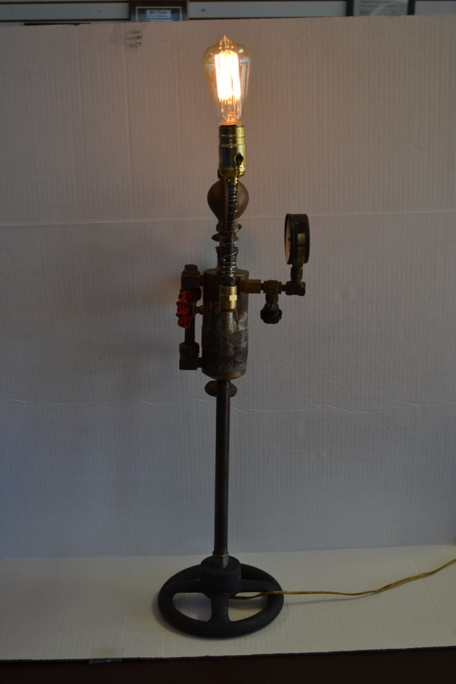 industrial steampunk style table lamp with vintage look. Black Bedroom Furniture Sets. Home Design Ideas