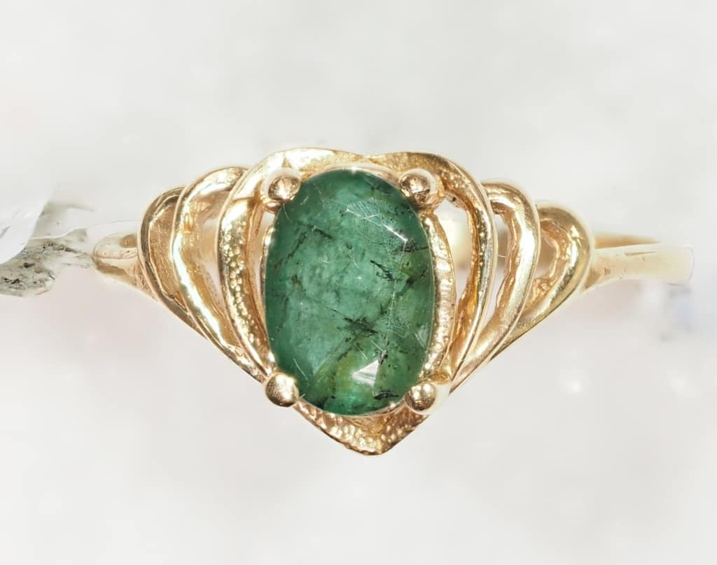 14k yellow gold emerald 0 95ct ring value 888 pa4869