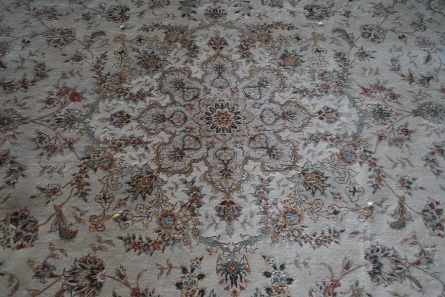 Hand Knotted Kashan Silk Rug Cream Background 9 9 X 13 9