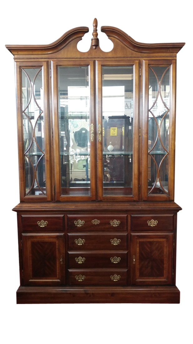 American Drew Lighted China Cabinet Cherry Grove Collection 90 H Pa5090dw